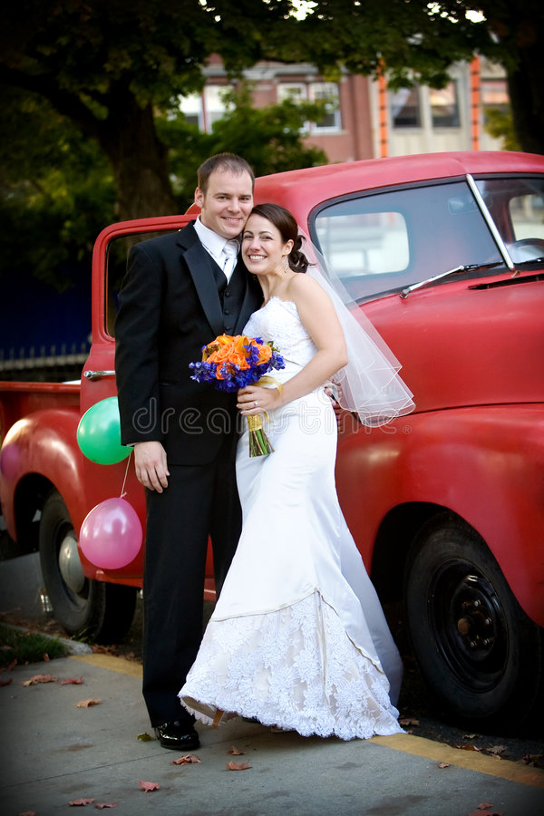 Happy newlywed couple royalty free stock images