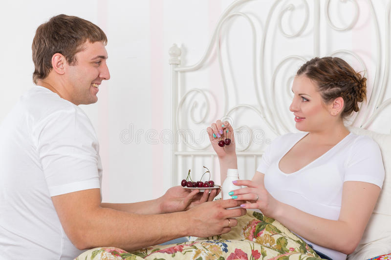 Download Happy Pregnant Family And Healthy Food Royalty Free Stock Images - Image: 36788249