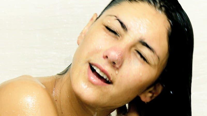 bare-female-on-bath-hot