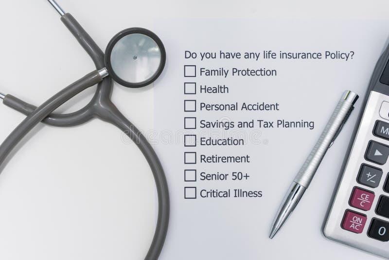 Har du någon livförsäkringpolitik? royaltyfria bilder