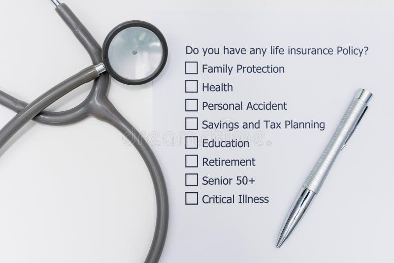 Har du någon livförsäkringpolitik? Det fråga för ` s A som ska svaras fotografering för bildbyråer