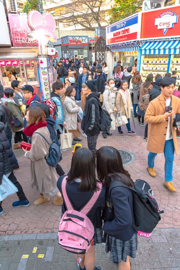 Harajuku, Tokyo, Japan - 21 December 2018: De mening van de Harajukustraat stock foto