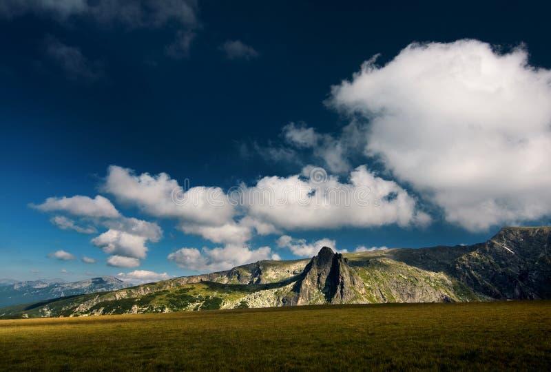 Haramiata di punta, montagna di Rila fotografia stock