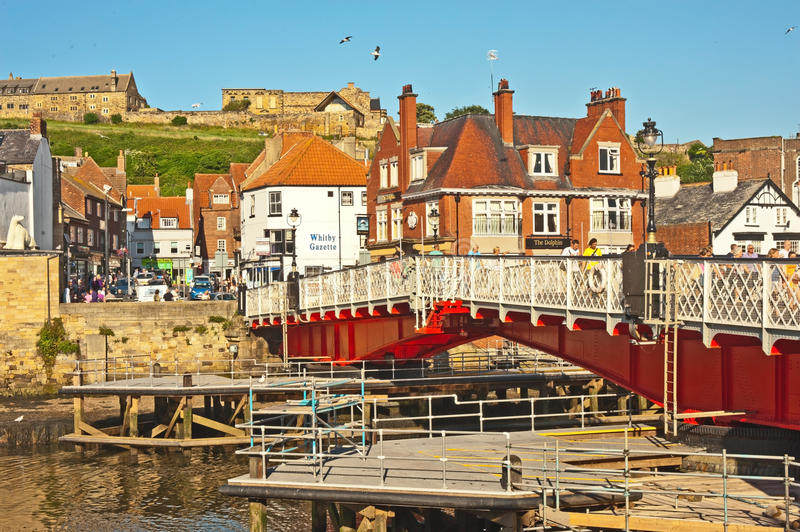 Download Harbour bridge at Whitby editorial stock photo. Image of north - 34126428