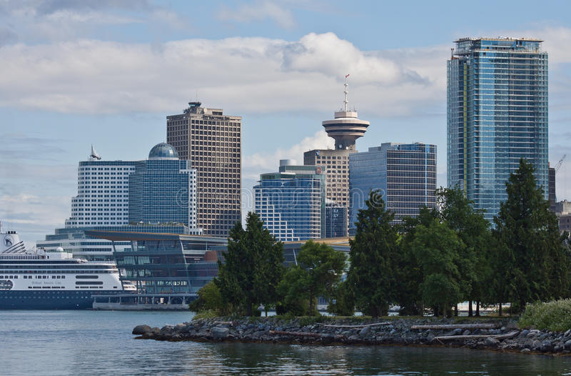 Download Harbour Center And Canada Place Vancouver Editorial Image - Image: 16994555