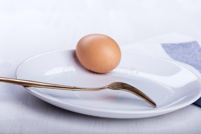 Hard-gekookt ei op de plaat royalty-vrije stock foto