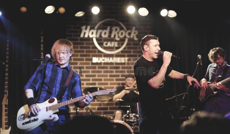 Hard Rock Cafe, Bucarest con Zdob Si Zdub fotos de archivo