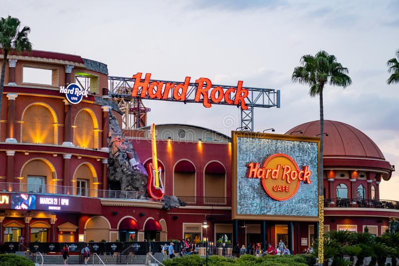 Hard Rock Cafe på solnedgången på Universal Studios Florida royaltyfri foto