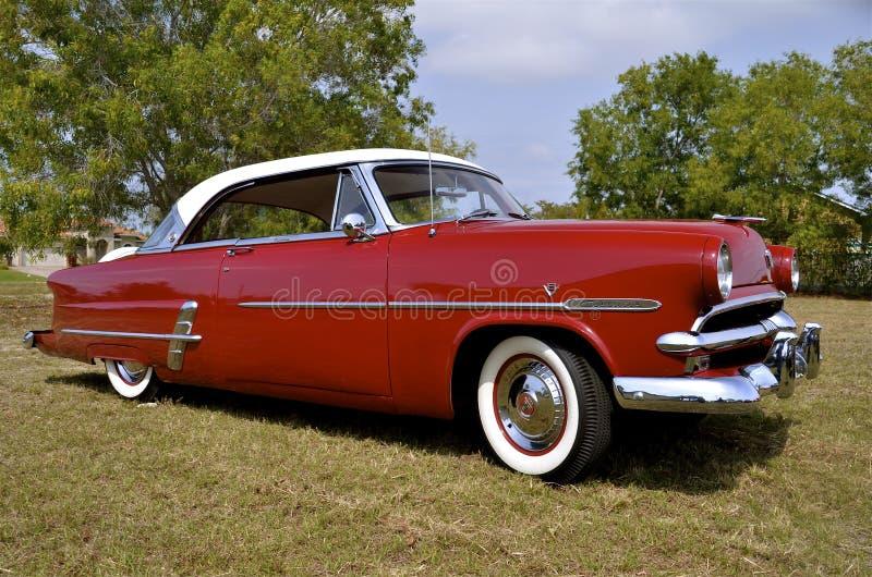 Hard top 1953 Ford convertibile immagini stock libere da diritti