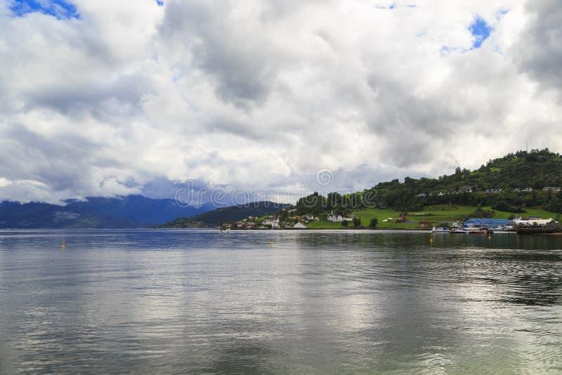Hardangerfjord blisko Oystese fotografia stock