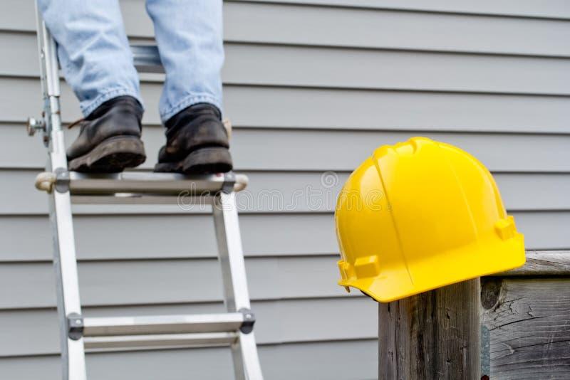 Hardhat et Ladder photos libres de droits