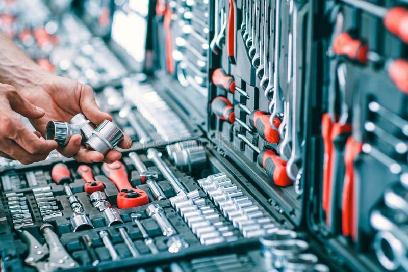 Hardware del equipo de reparación auto de la manitas de la venta de las herramientas del coche foto de archivo