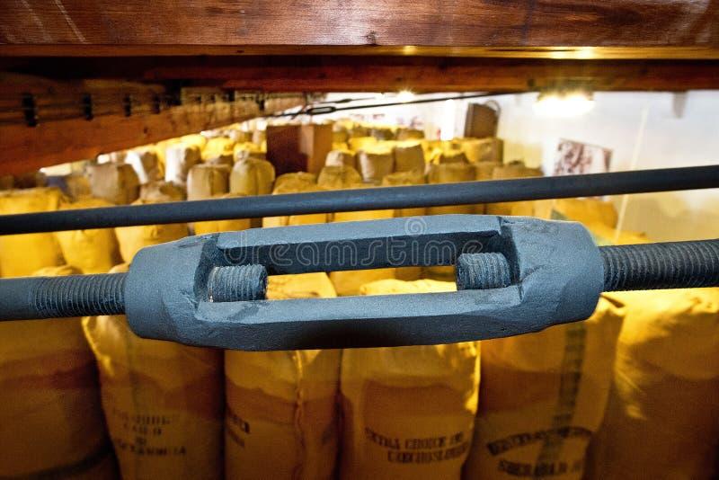 Hardware en casa de la tienda del salto en la ciudad de Zatec imagenes de archivo