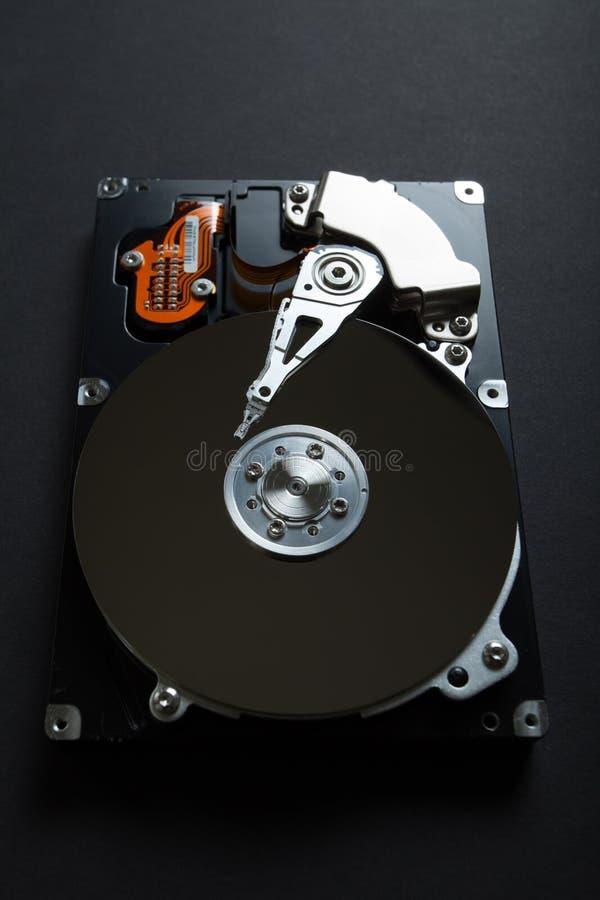 Hardware interno del mecanismo del disco duro Vigilancia cibern?tica y hurto de identidad de usuarios Seguridad, protecci?n y cop foto de archivo libre de regalías