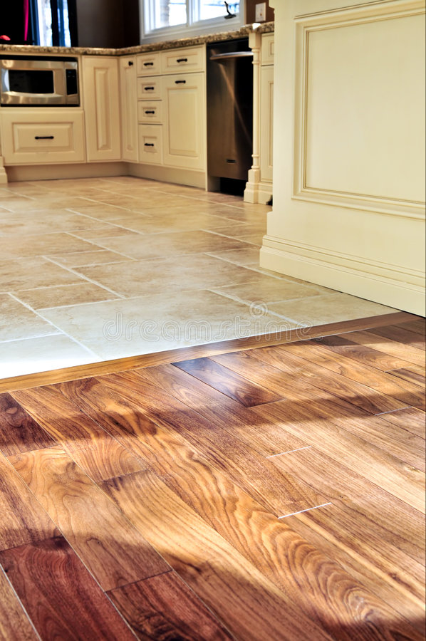 Free Hardwood And Tile Floor Stock Photography - 7250452