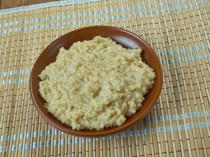 Harees - ближневосточное блюдо стоковые фотографии rf