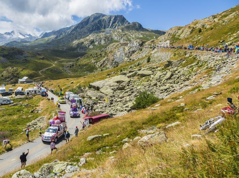 Haribo有蓬卡车在阿尔卑斯-环法自行车赛2015年 免版税库存图片