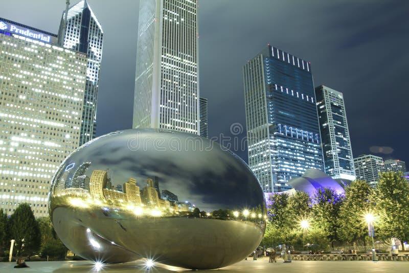 Haricot de Chicago la nuit photos stock
