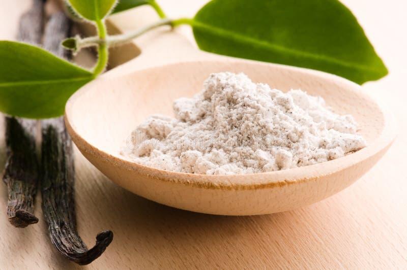 Haricots de vanille avec du sucre aromatique image libre de droits