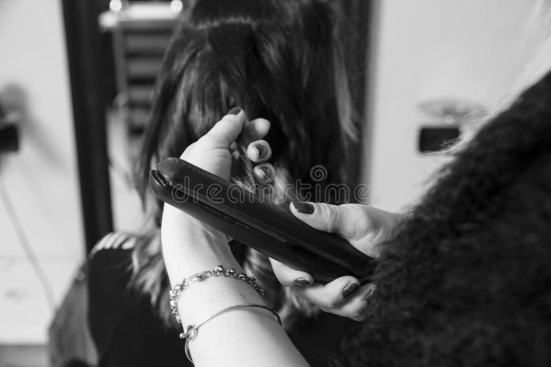 Haridresser danandekrullning fotografering för bildbyråer