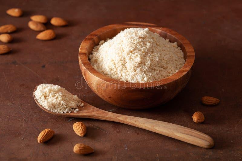 Harina de la almendra ingrediente sano para la dieta gluten-libre del paleo del keto imágenes de archivo libres de regalías