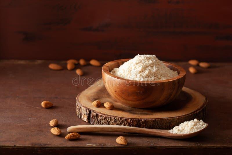 Harina de la almendra ingrediente sano para la dieta gluten-libre del paleo del keto fotos de archivo libres de regalías