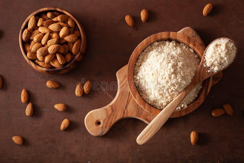 Harina de la almendra ingrediente sano para la dieta gluten-libre del paleo del keto fotografía de archivo libre de regalías
