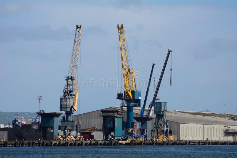 Harland y Wolff Heavy Industries, Belfast, Irlanda del Norte fotos de archivo