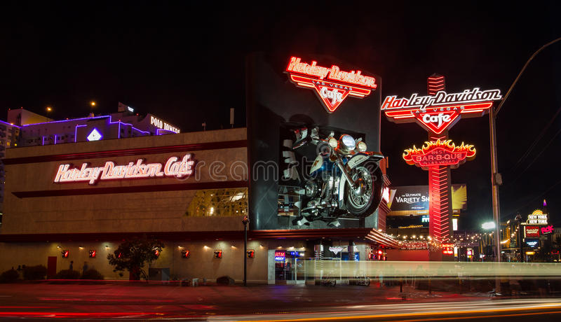 Harley Davidson на прокладке Лас-Вегас на ноче стоковое изображение rf