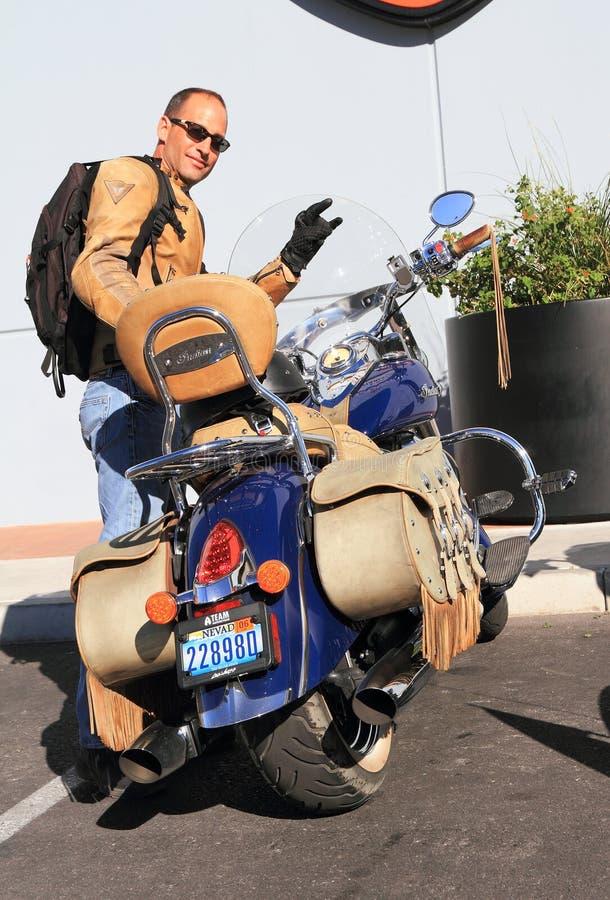 Harley-Davidson L'INDIEN - avec le propriétaire fier image libre de droits