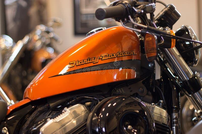 Harley Davidson Sportster Model avec le réservoir orange image libre de droits