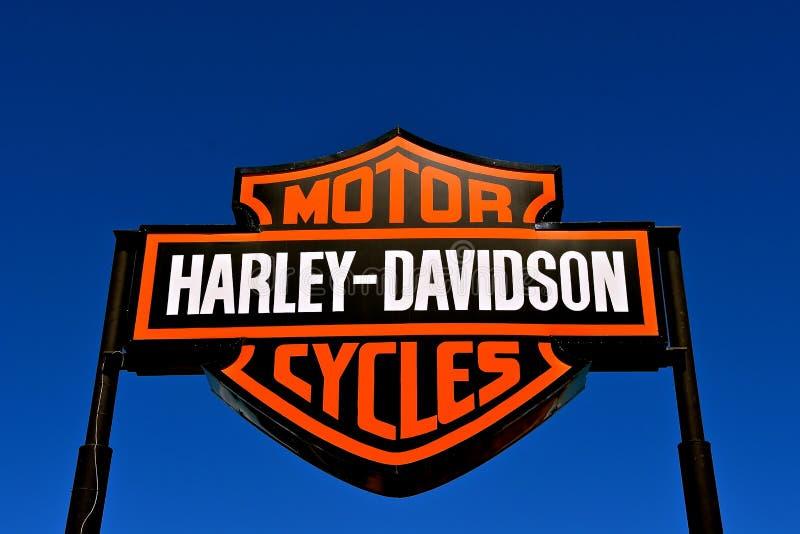 Harley Davidson utomhus- tecken och logo royaltyfria foton
