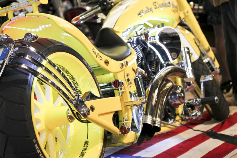 Harley giallo immagine stock