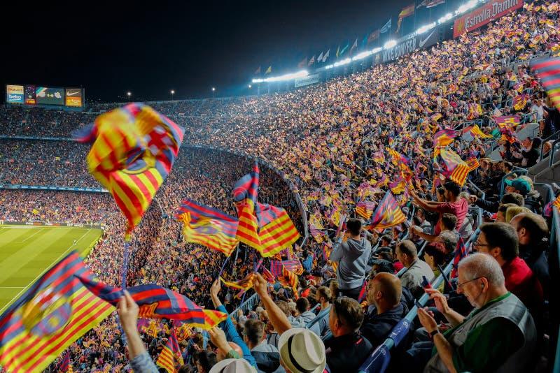 Harmonia entre clubes do futebol de Barcelona e de Real Sociedad no est?dio Camp Nou fotos de stock royalty free