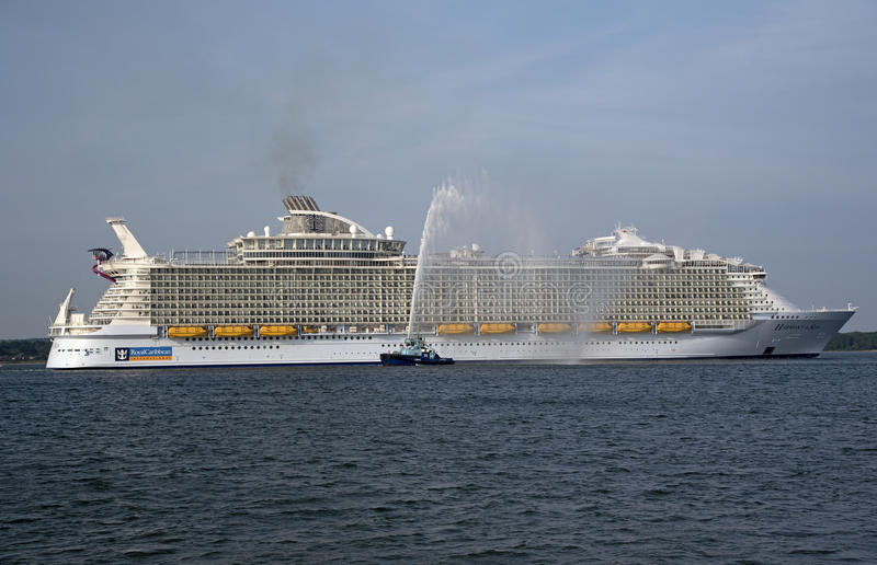 Harmonie des größten Kreuzschiffs der Seewelt lizenzfreies stockbild