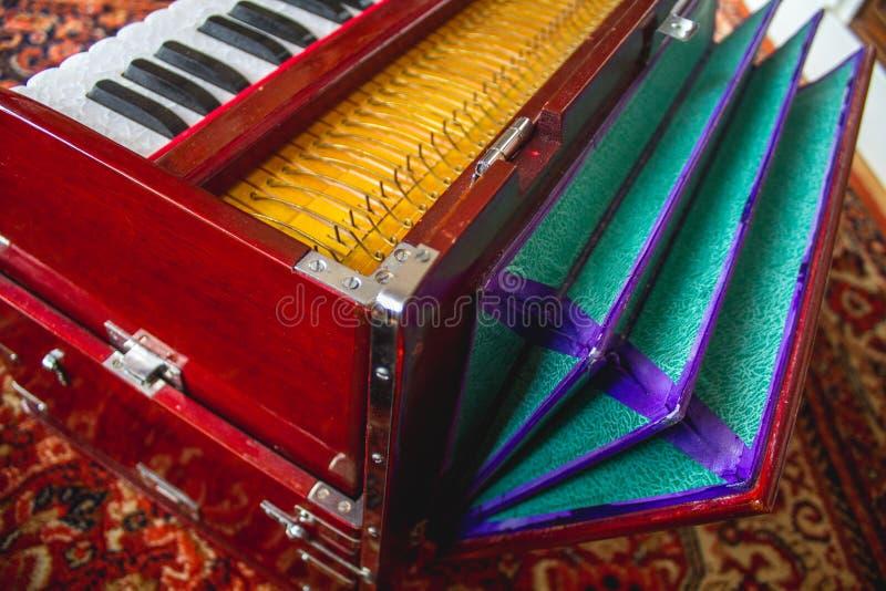 Harmoniums-Inder-Instrument stockfotos
