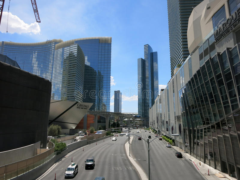 Harmonstraat die tot Kristallen op Stadscentrum leiden op Las Vegas B royalty-vrije stock foto