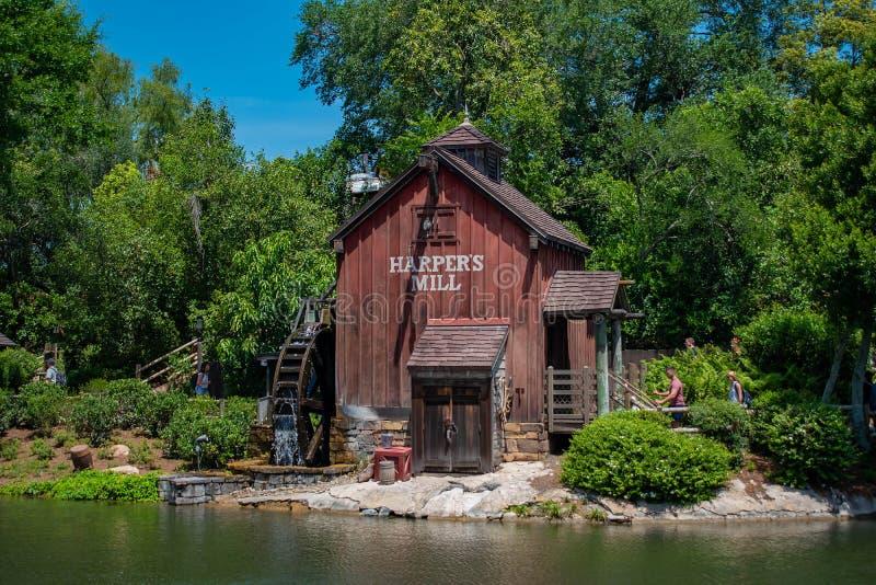 Harpers maler i Tom Sawyer land i magiskt kungarike på Walt Disney World 1 fotografering för bildbyråer