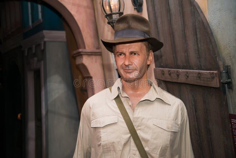 Harrison Ford som Indiana Jones i det Grevin museet av vaxdiagramen i Prague royaltyfria foton