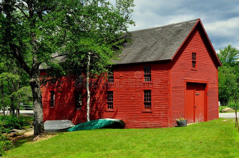 Harrisville, NH :红色船库 图库摄影