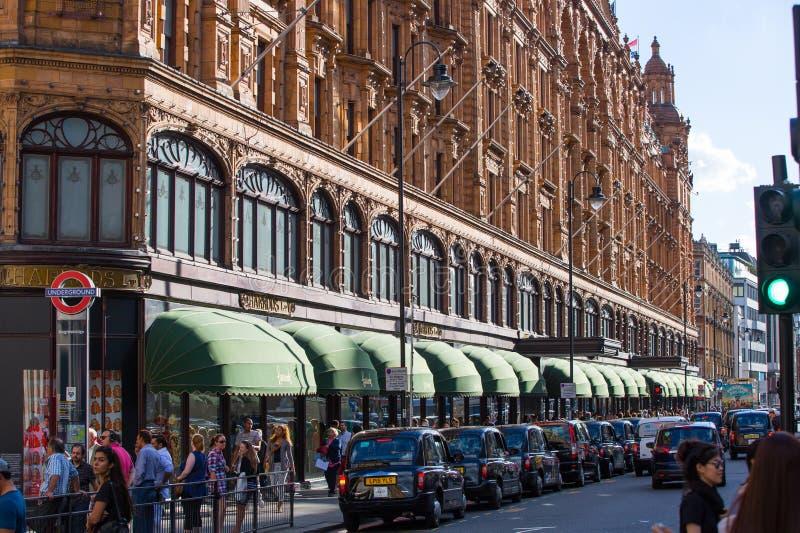 Harrods wydziałowy sklep w Knightsbridge london wielkiej brytanii zdjęcia stock