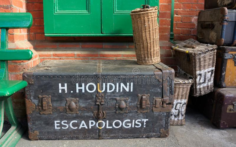 Harry Houdini Escapologist, reisgeval stock afbeelding