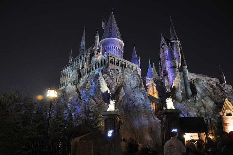 Harry Potter Castle in Universeel Orlando bij nacht stock foto's