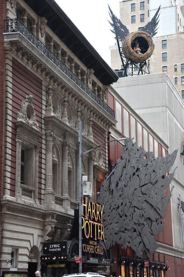 Harry Potter e a crian?a maldita em Broadway em New York imagens de stock royalty free
