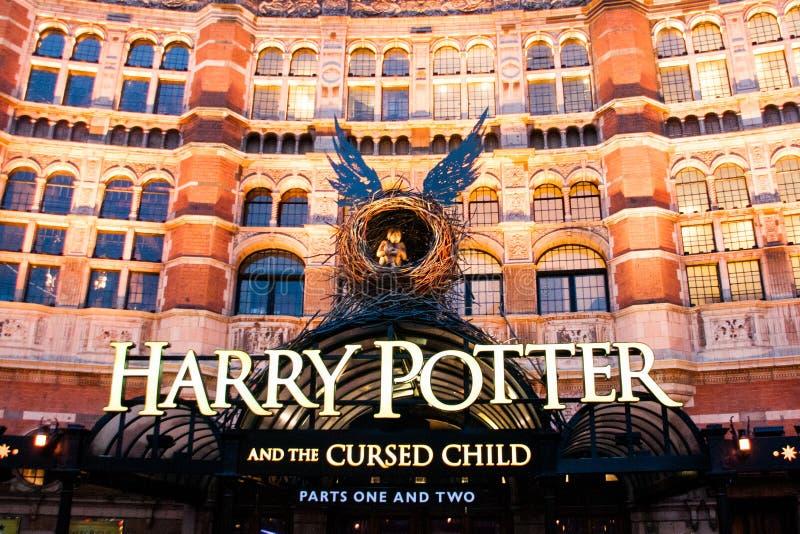 Harry Potter ed il bambino maledetto, un gioco al teatro del palazzo, Londra fotografie stock