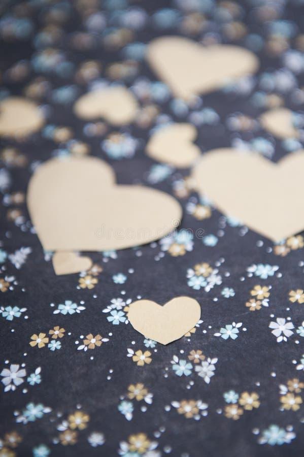 hart blauwe bloemenachtergrond, liefdebrief, valentijnskaart` s bekentenis royalty-vrije stock foto