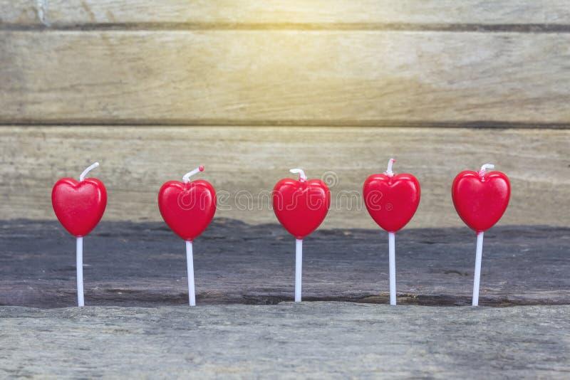 Hart-vormige kaars op de dag van liefde royalty-vrije stock foto's