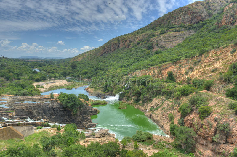 Hartbeespoort tama - Południowa Afryka obraz stock