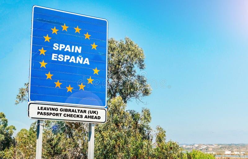 Harte strittige Grenze von Großbritannien-Gebiet von Gibraltar nach Spanien lizenzfreie stockfotos