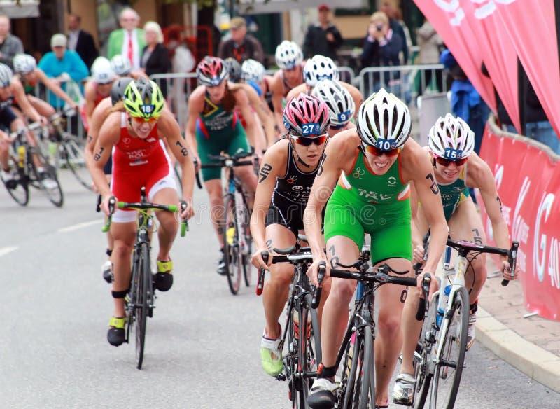 Harter Kampf im Radfahrenwettbewerb lizenzfreie stockbilder